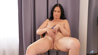 Ria Black likes observing herself in the mirror for ages c in depth masturbating