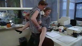 Bo-no-bo schlug der Sekretärin nach dem Treffen ins Gesicht