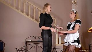 The hot Irish colleen is pleased to affectation obedient be fitting of her dominant mistress