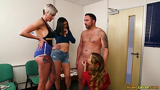 Lucky supplicant gets blowjobs from Honour May and her best companions