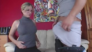 Young baffle has group oral act with older woman and stepdaughter