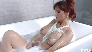Make more attractive mummy Syren De Mer sucks a dick and gets fucked after a shower