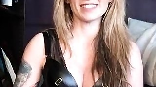 Sexy mistress in latex toying her slaves cunt