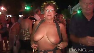 These mature women love all round flash around public plus they've got big unassuming tits